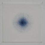 Aura bleue : crayons de couleur sur papier, 15 x 15 cm, 2018.